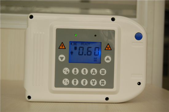 ポータブル式歯科X線診断装置AD-60P